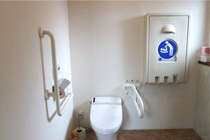 ベビーカーのまま利用可能なトイレ写真